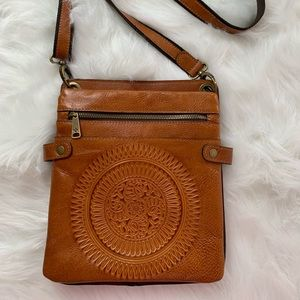 Patricia Nash crossbody medium brown leather.